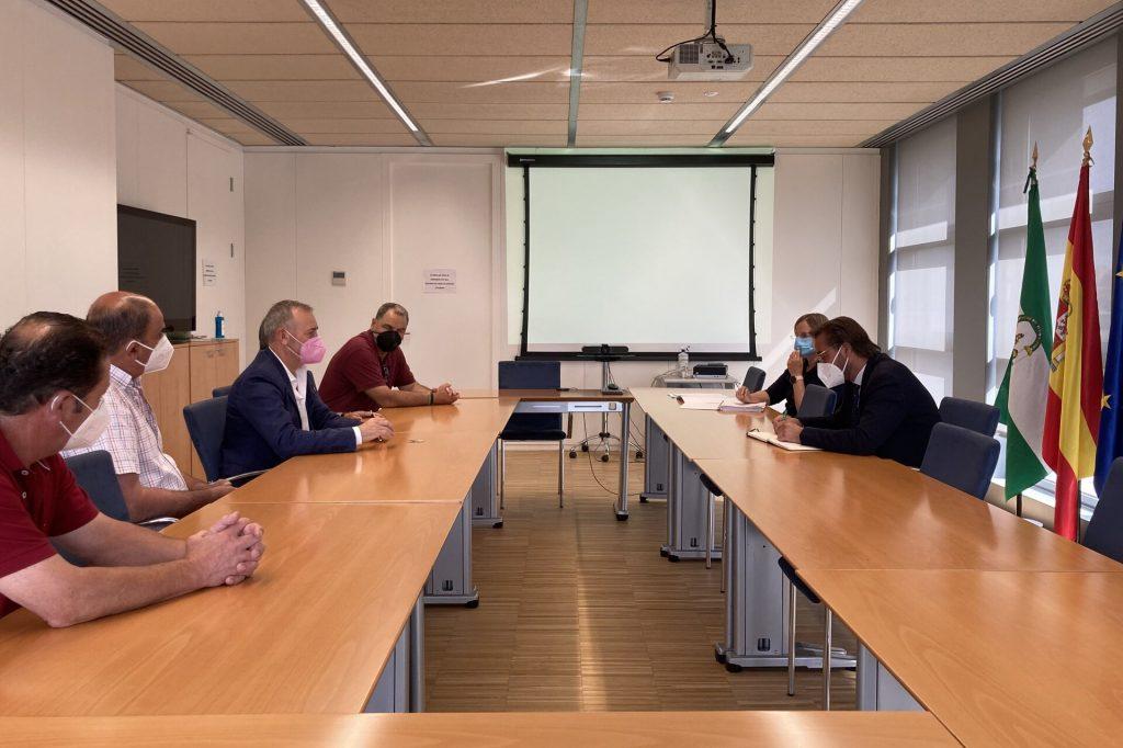 UPA Granada reunida con delegado de fomento en Granada